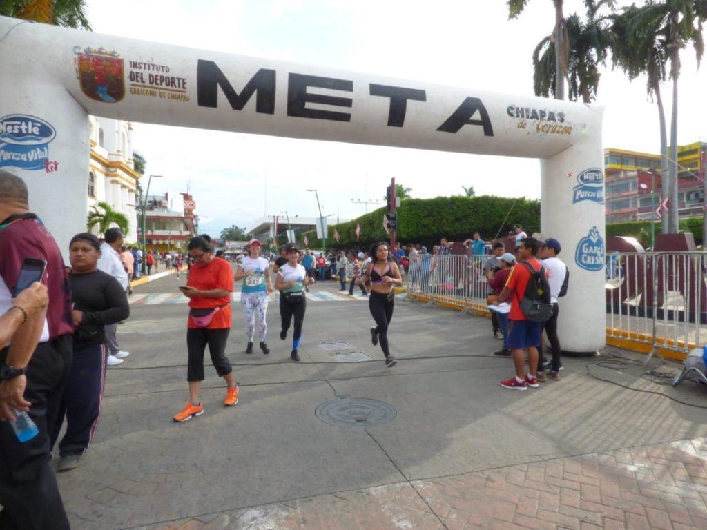 """300 personas participaron en la carrera 5 kilómetros """"San Agustín"""""""