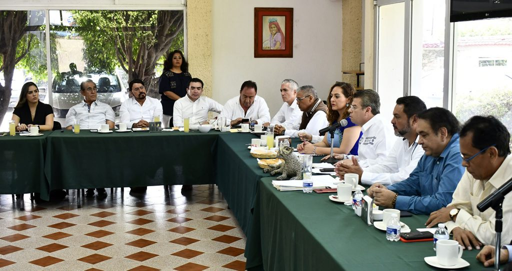 Encabeza Ismael Brito reunión con el Consejo Estatal de Notarios