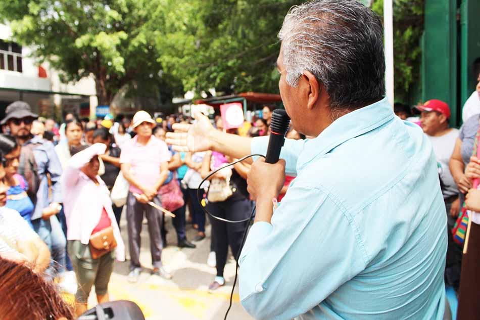 Estudiantes piden recontratación de docentes en escuelas de varios municipios
