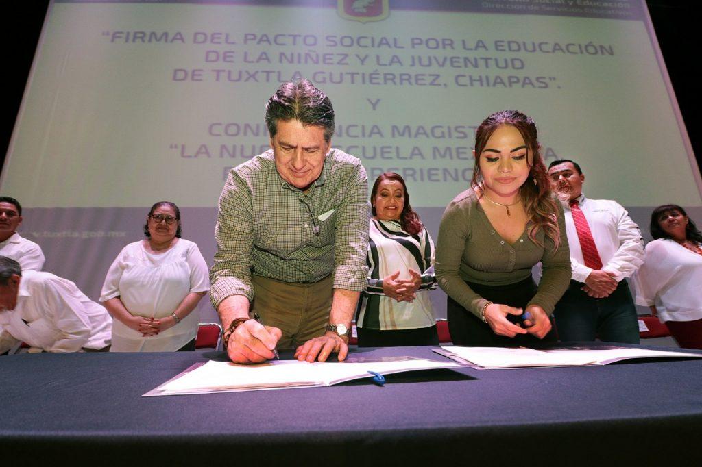Firman en Tuxtla Gutiérrez el Pacto Social por la educación de la niñez y la juventud
