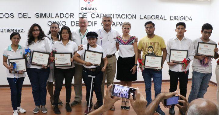Impulsa DIF Chiapas formación laboral de personas con discapacidad y adultos mayores
