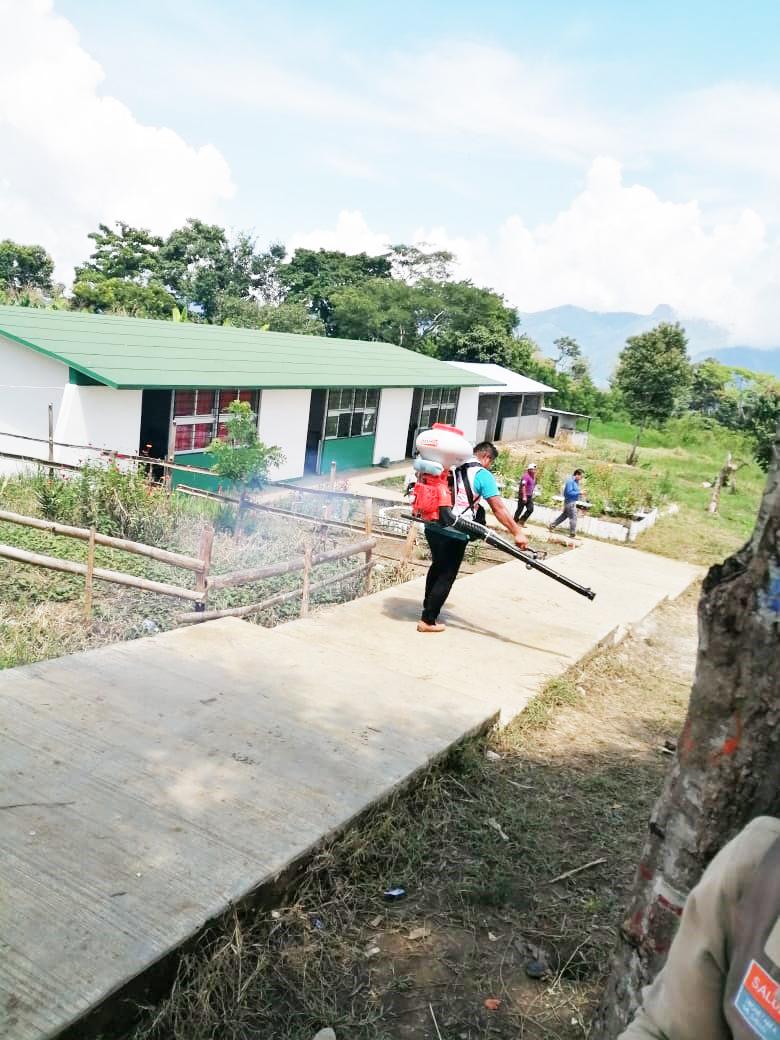 Ayuntamiento y sector salud combaten al dengue en Huitiupán