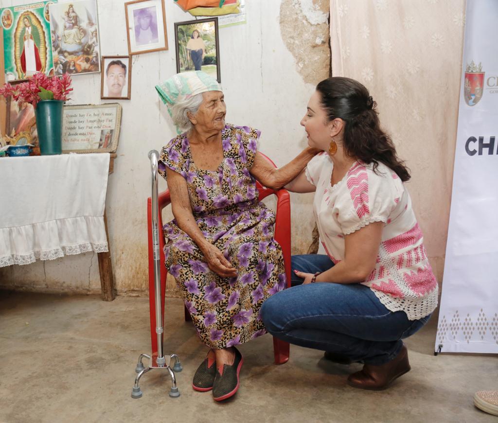 Con entrega de apoyos funcionales, arranca Programa de Bienestar del Adulto Mayor