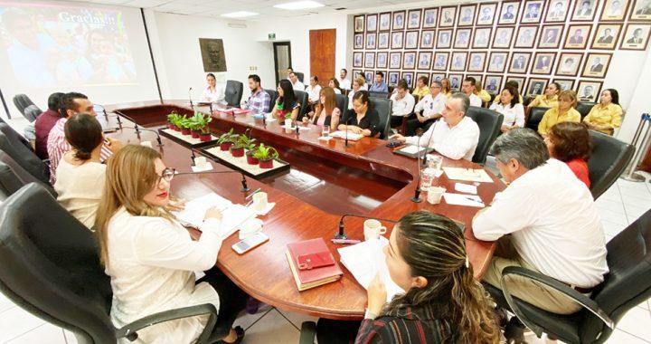 DIF Tuxtla y Secretaría para la Igualdad de las Mujeres entregan informes de avances a un año de actividades