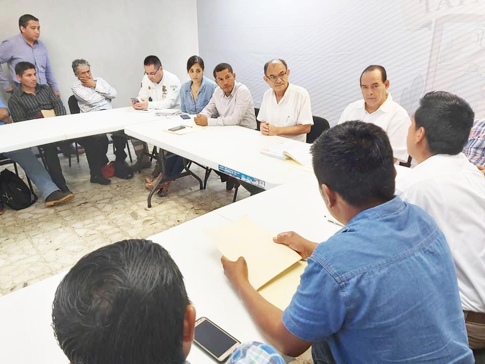 El Alcalde Gurría Penagos atiende a habitantes de la zona alta del Municipio de Tapachula