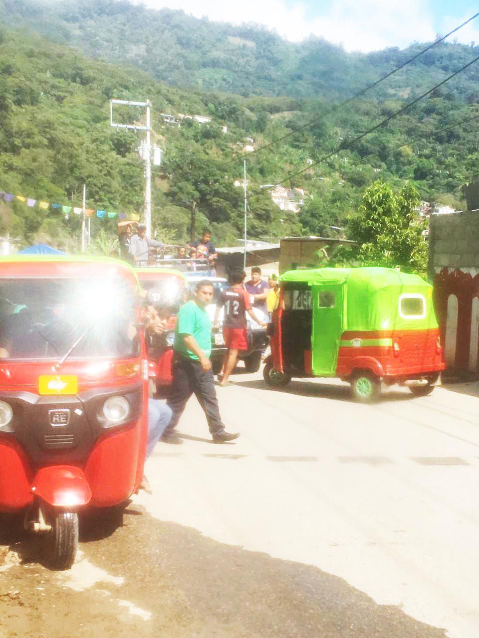 En el Bosque, se crea conflicto entre moto taxistas por presuntos arreglos e intereses