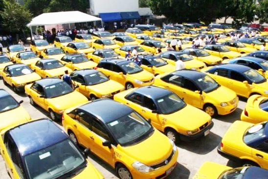 Liberará el Gobierno 11 mil concesiones de transporte