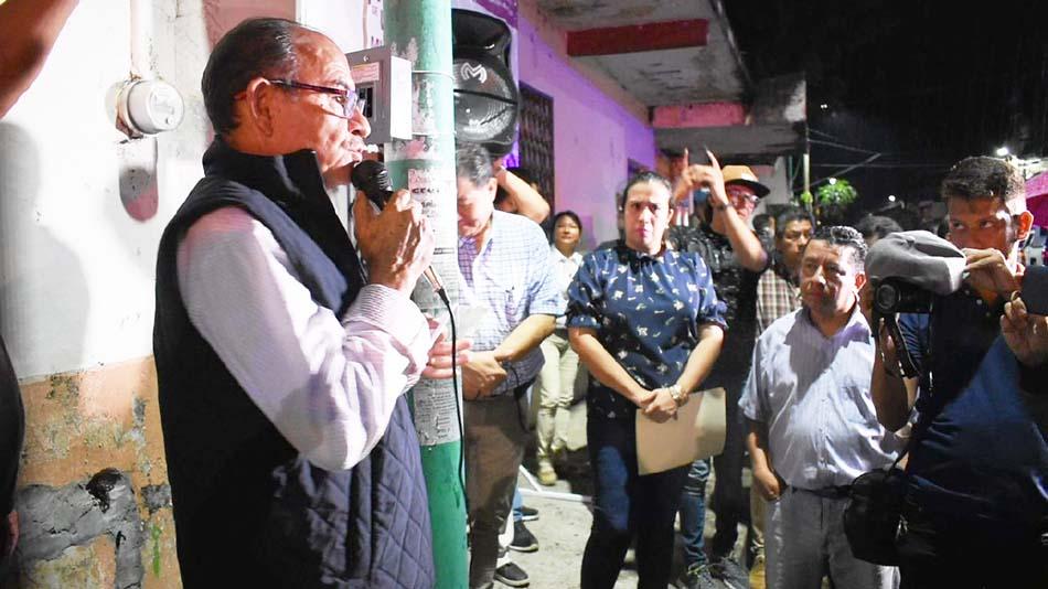 Más lámparas nuevas para iluminar Tapachula Óscar Gurría