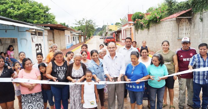 El Presidente Municipal entrega obras concluídas e inicia otras en beneficio de los tapachultecos