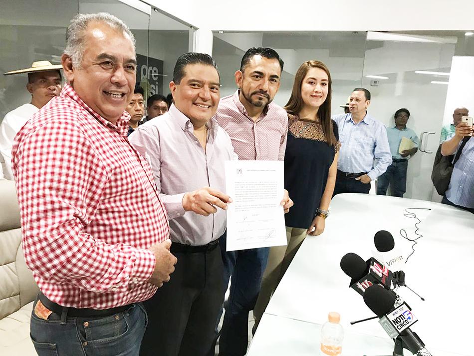 PRI nombra a Mario Sántiz Gómez como nuevo coordinador del GP en el Congreso del Estado