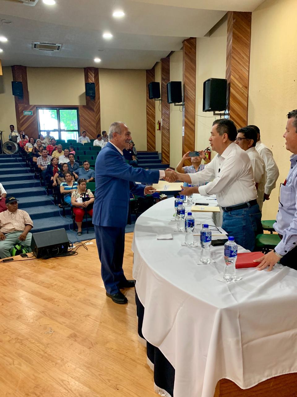 Realiza SEF segunda entrega de licencias pre jubilatorias a personal de Educación Primaria