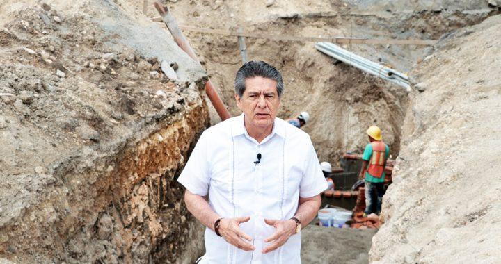 Supervisa alcalde de Tuxtla Gutiérrez trabajos de rehabilitación de colectores sanitarios en El Vergel
