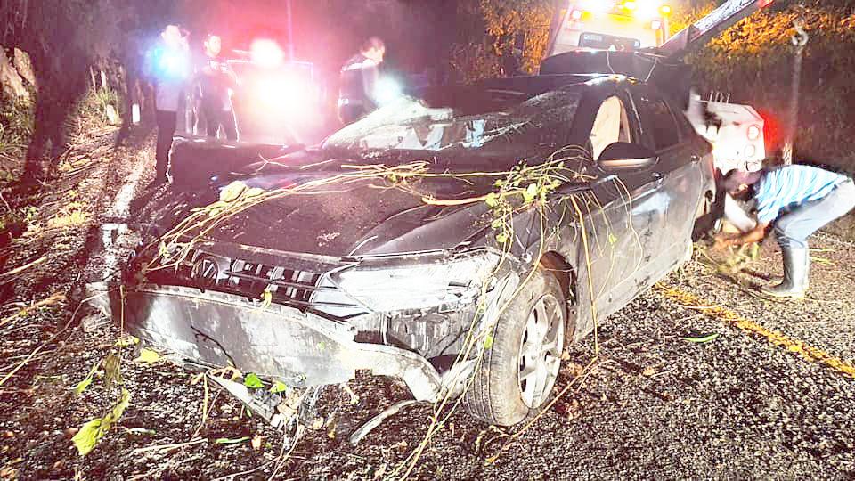 Aparatoso accidente sufre el alcalde de Reforma, tras participar en una reunión en la capital del Estado