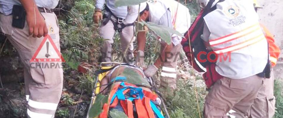 Cayó al fondo de un barranco en el Cerro de Guadalupe