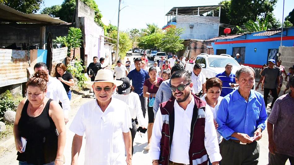 Edil Gurría Penagos inaugura obra de pavimentación en la colonia El Confeti