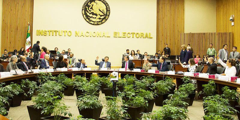 INE informa que 57 organizaciones buscan ser partidos políticos