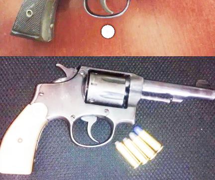 Otro alumno de primaria presume arma de fuego entre sus compañeros