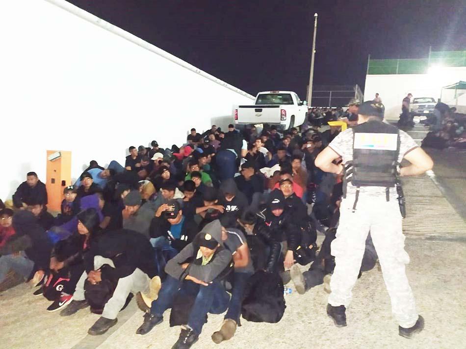 Rescata Fiscalía a 292 personas migrantes en Ocozocoautla