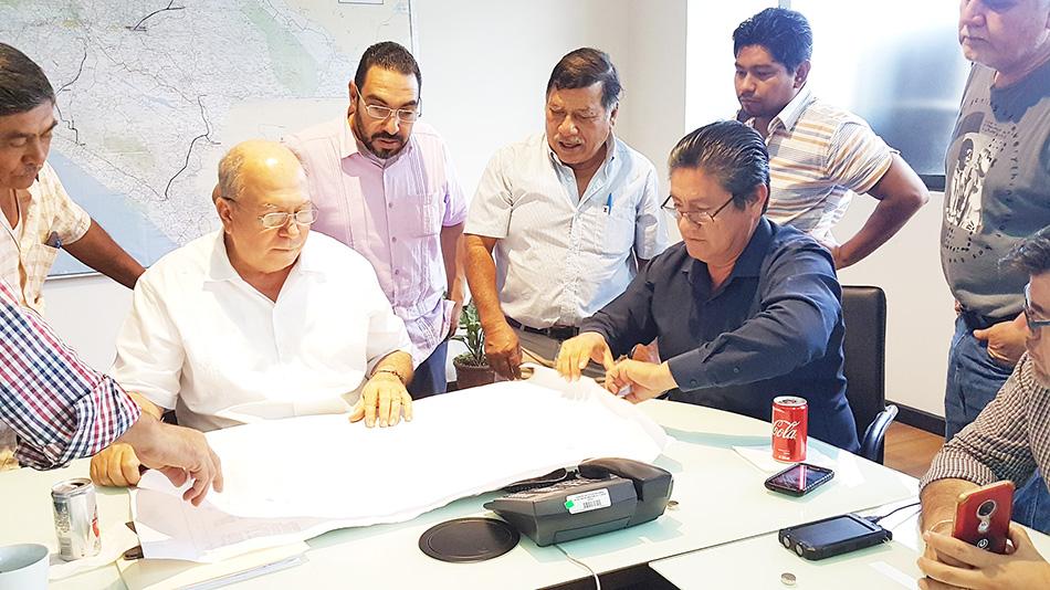 Se reúne Secretario de Obras Públicas con ejidatarios de Tuxtla Gutiérrez