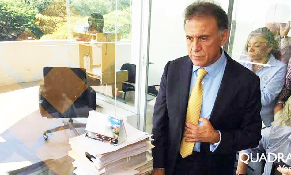 Trasciende posible orden de aprehensión contra Yunes Linares