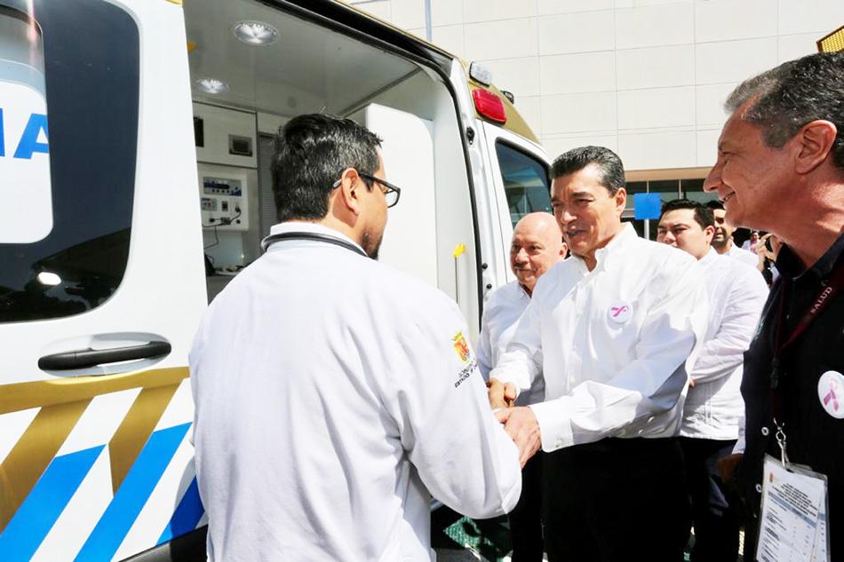 Atender al pueblo de Chiapas con mejores servicios de salud es una prioridad Rutilio Escandón