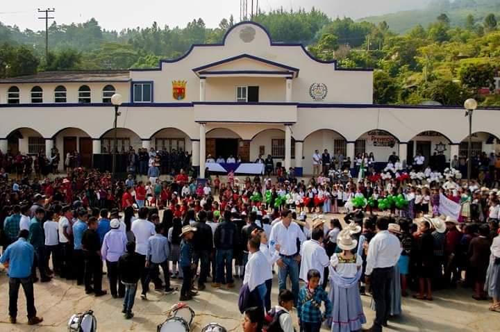 Cinco días sin energía en San Andrés Duraznal por negligencia del alcalde