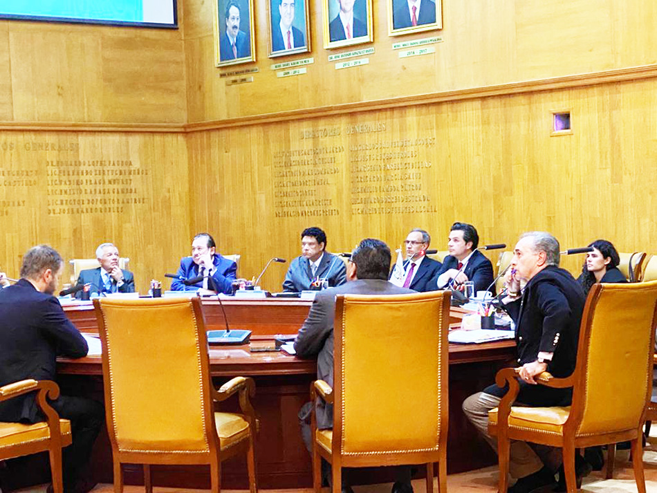 Consejo Técnico del IMSS ratifica criterio de 25 salarios mínimos como límite para el pago de pensiones