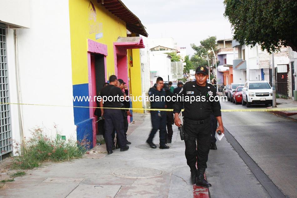 En persecución balean a policía en el centro de Tuxtla