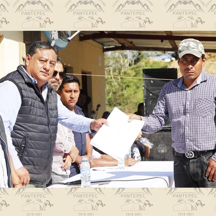 Esposo de alcaldesa de Pantepec usurpa funciones