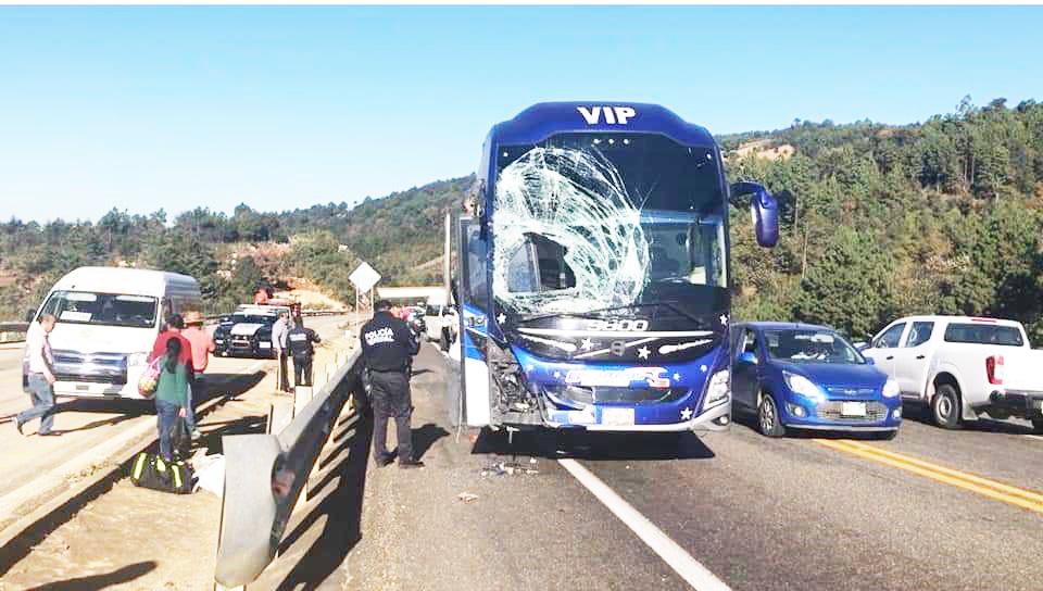 Fuerte accidente en la carretera de cuota San Cristóbal - Chiapa de Corzo