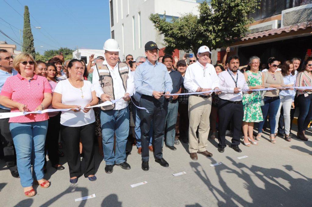Inaugura Rutilio Escandón pavimentación de calles y avenidas en colonias de Tuxtla Gutiérrez