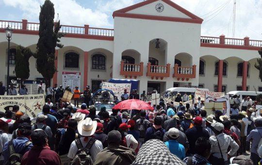 Indígenas tojolabales retienen a alcalde interino de Las Margaritas