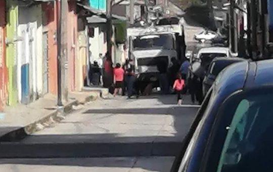 Camión recolector de basura mata a persona de la tercera edad en Yajalón