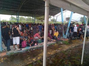 La caravana de migrantes descansó el martes en Huixtla, el miércoles buscará llegar a Villa Comaltitlán
