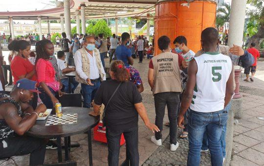 Vendedores migrantes agreden a Inspectores de Servicios Públicos de Tapachula